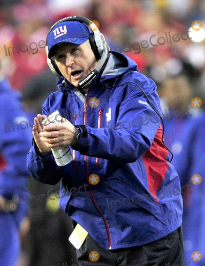 Tom Coughlin Photo - RESTRICTED NO NEW YORK OR NEW JERSEYNEWSPAPERS WITHIN A 75 MILE RADIUS OF NYC01022011 - GIANTS V REDSKINSNew York Giants head coach Tom Coughlin celebrates his teams firt score a field goal in the first quarter against the Washington Redskins at FedEx Field in Landover Maryland on Sunday January 2 2011Photo by Ron SachsCNP-PHOTOlinknet