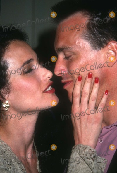 Andie McDowell Photo - Andi McDowell1423JPGCelebrity Archaeology 1991 FILE PHOTOAndi McDowell and husbandPhoto by Adam Scull-PHOTOlinknet