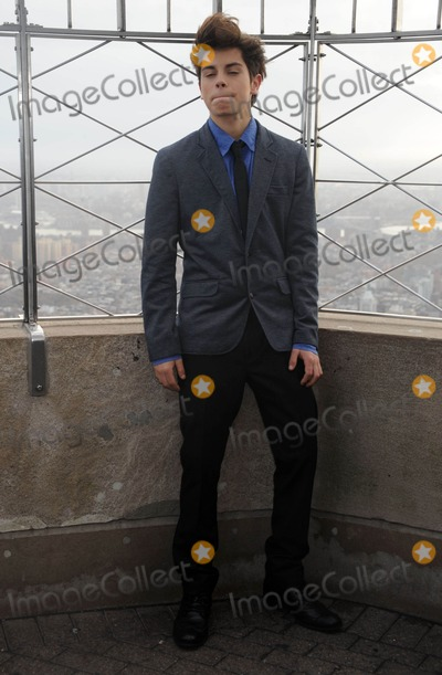 Jake T Austin Photo - Photo by Dennis Van Tinestarmaxinccom2011ALL RIGHTS RESERVEDTelephoneFax (212) 995-1196112911Jake T Austin visits the Empire State Building(NYC)