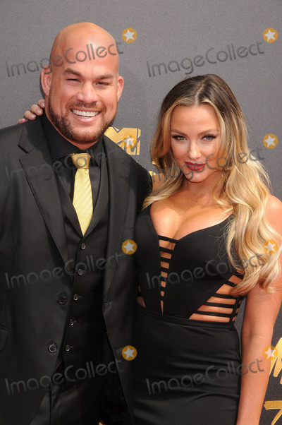 Nicole Miller Photo - Photo by GalaxystarmaxinccomSTAR MAX2017ALL RIGHTS RESERVEDTelephoneFax (212) 995-11965717Tito Ortiz and Amber Nicole Miller at The 2017 MTV Movie And TV Awards in Los Angeles CA