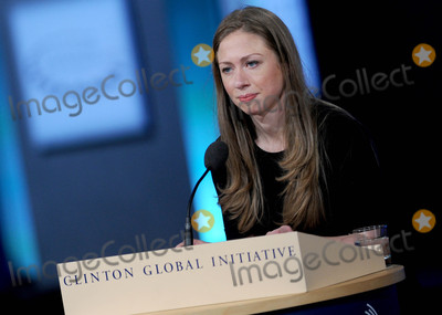 THE CLINTONS Photo - Photo by Dennis Van TinestarmaxinccomSTAR MAX2015ALL RIGHTS RESERVEDTelephoneFax (212) 995-119692915Chelsea Clinton at The Clinton Initiative 2015 Annual Meeting(NYC)