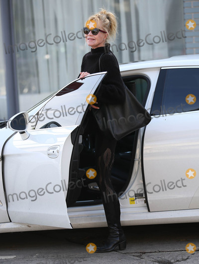 Melanie Griffith Photo - Photo by SMXRFstarmaxinccomSTAR MAX2018ALL RIGHTS RESERVEDTelephoneFax (212) 995-119611018Melanie Griffith is seen in Los Angeles CA