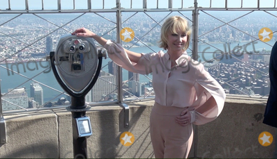 Anne Heche Photo - Photo by gotpapstarmaxinccomSTAR MAX2017ALL RIGHTS RESERVEDTelephoneFax (212) 995-119692517Anne Heche visits The Empire State Building in New York City