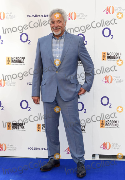 Tom Jones Photo - Photo by KGC-03starmaxinccomSTAR MAXCopyright 2015ALL RIGHTS RESERVEDTelephoneFax (212) 995-11967315Sir Tom Jones at the Nordoff Robbins O2 Silver Clef Awards(London England UK)