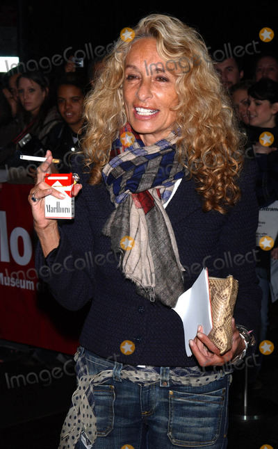 Ann Jones Photo - Photo by Walter Weissmanstarmaxinccom200631206Ann Jones at the premiere of Thank You For Smoking(NYC)
