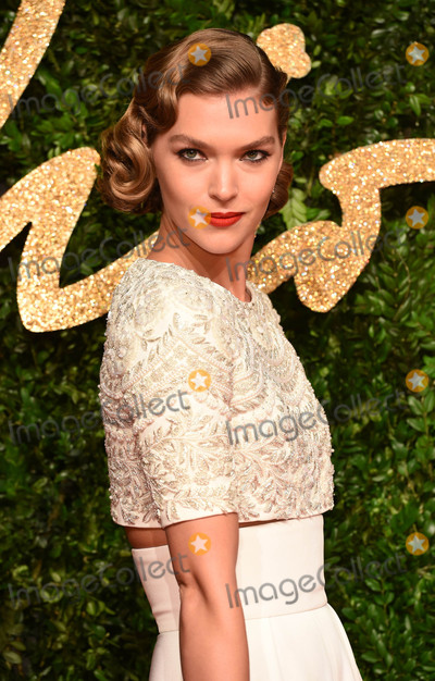 Arizona Muse Photo - Photo by KGC-03starmaxinccomSTAR MAXCopyright 2015ALL RIGHTS RESERVEDTelephoneFax (212) 995-1196112315Arizona Muse at the 2015 British Fashion Awards(London England UK)