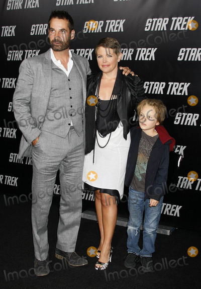 Adrian Pasdar Photo - Photo by NPXstarmaxinccom200943009Natalie Maines with Adrian Pasdar and Beckett Pasdar at the premiere of Star Trek(Hollywood CA)Not for syndication in France
