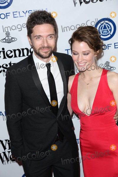 Ashley Hinshaw Photo - Photo by JMAstarmaxinccomSTAR MAX2016ALL RIGHTS RESERVEDTelephoneFax (212) 995-11961916Topher Grace and Ashley Hinshaw at The Art of Elysiums Ninth Annual Heaven Gala(Culver City CA)