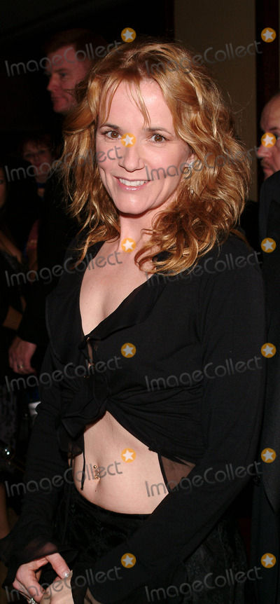 Lea Thompson Photo - Photo by Tim GoodwinSTAR MAX Inc - copyright 20033103Lea Thompson at the 2003 DGA Awards(Los Angeles CA)