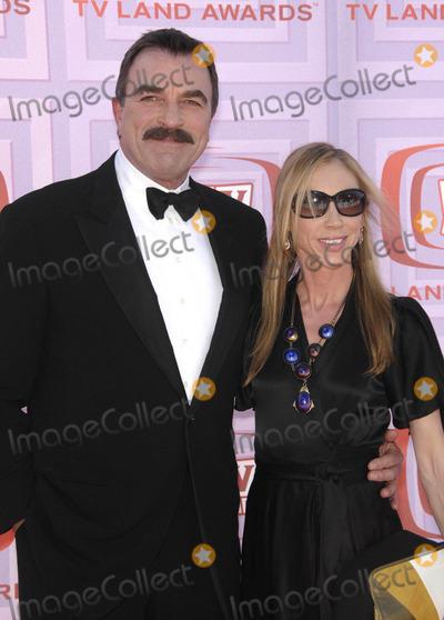 Jillie Mack Photo - Photo by Michael Germanastarmaxinccom200941909Tom Selleck and Jillie Mack at the TV Land Awards(Los Angeles CA)