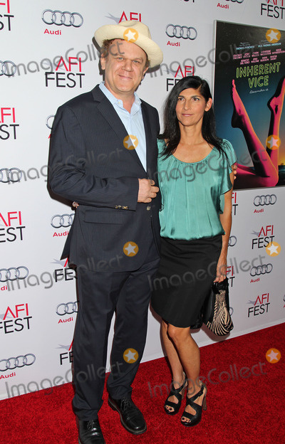 Alison Dickey Photo - Photo by REWestcomstarmaxinccomSTAR MAX2014ALL RIGHTS RESERVEDTelephoneFax (212) 995-119611814John C Reilly and Alison Dickey at a screening of Inherent Vice(Hollywood CA)