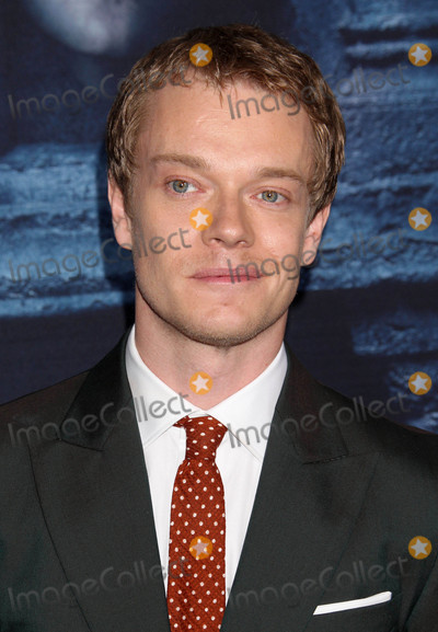 Alfie Allen Photo - Photo by REWestcomstarmaxinccomSTAR MAX2016ALL RIGHTS RESERVEDTelephoneFax (212) 995-119641016Alfie Allen at the season six premiere of Game Of Thrones (Hollywood CA)