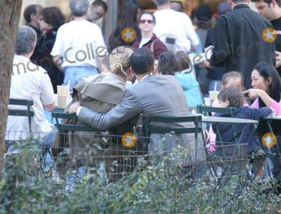 Andre Balasz Photo - Photo by Mitch Gerberstarmaxinccom2004103104Uma Thurman and boyfriend Andre Balasz cuddling and kissing on Halloween Day(NYC)