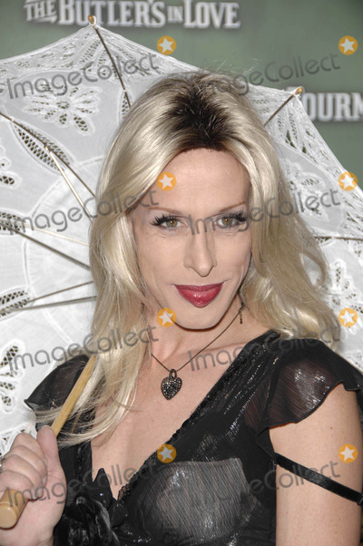 Alexis Arquette Photo - Photo by Michael Germanastarmaxinccom200862308Alexis Arquette at the premiere of The Butlers In Love(Los Angeles CA)