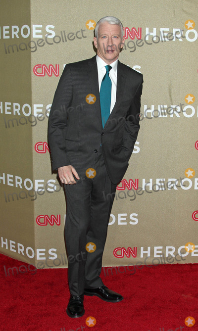 Anderson Cooper Photo - Photo by REWestcomstarmaxinccom2012STAR MAXALL RIGHTS RESERVEDTelephoneFax (212) 995-119612212Anderson Cooper at the CNN Heroes All Star Tribute(Los Angeles CA)