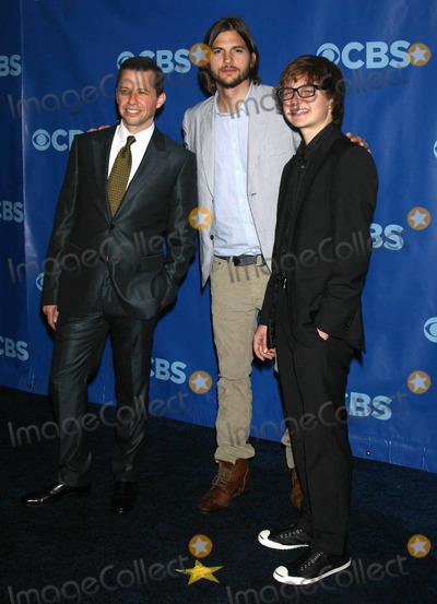 Angus T Jones Photo - Photo by Victor Malafrontestarmaxinccom201151811Ashton Kutcher with Jon Cryer and Angus T Jones at the 2011 CBS Upfront(Lincoln Center NYC)
