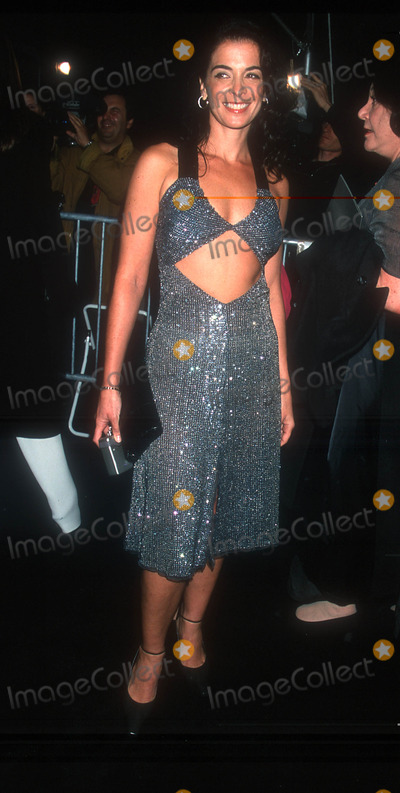 Annabella Sciorra Photo - Photo by Peter KramerSTAR MAX Inc 2000101800Annabella Sciorra at the opening of the Armani Exhibition(The Guggenheim NYC)