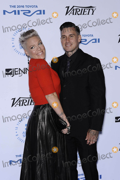 Carey Hart Photo - Photo by Michael GermanastarmaxinccomSTAR MAX2015ALL RIGHTS RESERVEDTelephoneFax (212) 995-119610815Pink and Carey Hart at The Autism Speaks Celebrity Chef Gala in Santa Monica CA