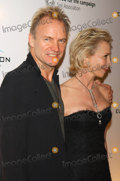Sting Photo - Photo by Walter Weissmanstarmaxinccom200511305Sting and Trudie Styler at the La Dolce Vita Benefit(NYC)