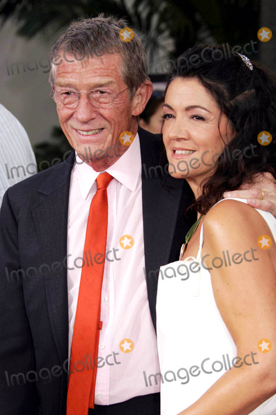 Anwen Rees-Myer Photo - Photo by REWestcomstarmaxinccom20058205John Hurt and his wife Anwen Rees Myers at the premiere of The Skeleton Key(Los Angeles CA)