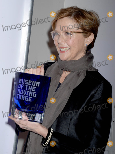 Annette Bening Photo - Photo by Dennis Van TinestarmaxinccomSTAR MAX2017ALL RIGHTS RESERVEDTelephoneFax (212) 995-1196121317Annette Bening at The Museum of The Moving Image in New York City
