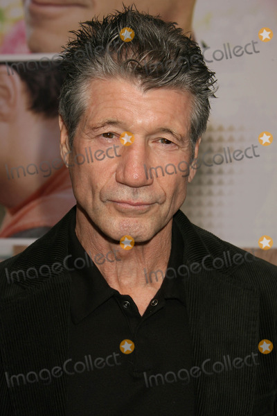 Fred Ward Photo - Photo by REWestcomstarmaxinccom200792507Fred Ward at the premiere of Feast of Love(Los Angeles CA)