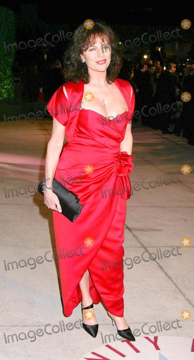 Jacqueline Bisset Photo - Photo by REWestcomstarmaxinccom200522705Jacqueline Bisset at the Vanity Fair Oscar Party(Los Angeles CA)