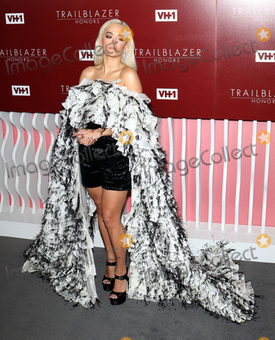 Rita  Ora Photo - Photo by zzgotpapstarmaxinccomSTAR MAXCopyright 2019ALL RIGHTS RESERVEDTelephoneFax (212) 995-119622019Rita Ora at the VH1 Trailblazer Honors in Los Angeles CA