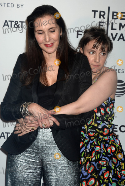 Lena Dunham Photo - Photo by Dennis Van TinestarmaxinccomSTAR MAX2017ALL RIGHTS RESERVEDTelephoneFax (212) 995-119642217Laurie Simmons and Lena Dunham at the premiere of My Art at The 2017 Tribeca Film Festival in New York City