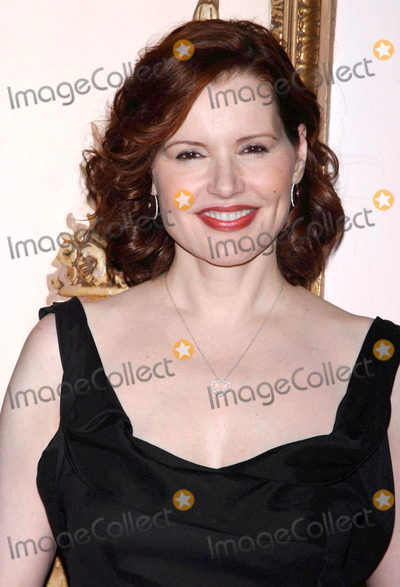 The Matrix Photo - Photo by Walter Weissmanstarmaxinccom20064306Geena Davis at the 2006 Matrix Awards(NYC)