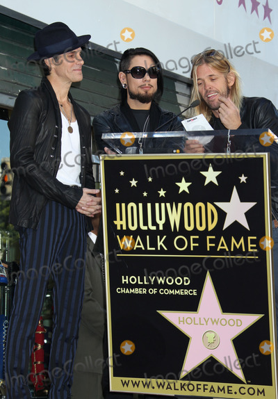 Dave Navarro Photo - Photo by REWestcomstarmaxinccom2013ALL RIGHTS RESERVEDTelephoneFax (212) 995-1196103013Perry Farrel Dave Navarro and Taylor Hawkins on The Hollywood Walk of Fame(Los Angeles CA)