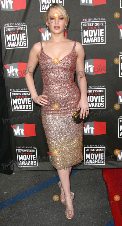 Jennifer Lawrence Photo - Photo by Quasarstarmaxinccom201111411Jennifer Lawrence at the 16th Annual Critics Choice Awards(Beverly Hills CA)