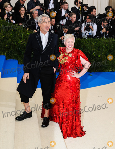 Baz Luhrmann Photo - Photo by ESBPstarmaxinccomSTAR MAXCopyright 2017ALL RIGHTS RESERVEDTelephoneFax (212) 995-11965117Baz Luhrmann and Catherine Martin at the 2017 Costume Institute Gala - Rei KawakuboComme des Garcons Art Of The In-Between(Metropolitan Museum of Art NYC)