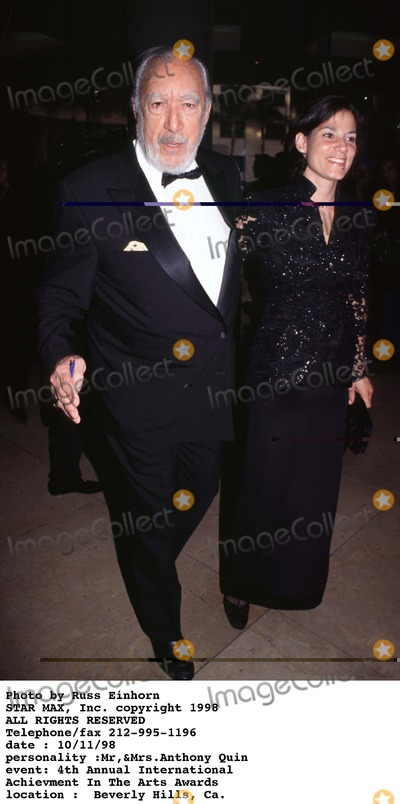 Anthony Quinn Photo - Photo by Russ EinhornSTAR MAX Inc - copyright 1998Anthony Quinn and wife