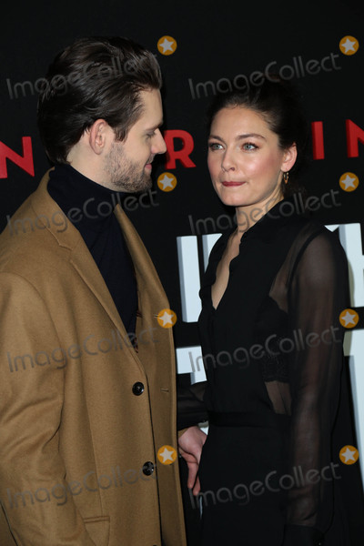 Alexa Davalos Photo - Photo by gotpapstarmaxinccomSTAR MAX2016ALL RIGHTS RESERVEDTelephoneFax (212) 995-119612816Luke Kleintank and Alexa Davalos at the premiere of The Man In The High Castle Season 2 in Los Angeles CA