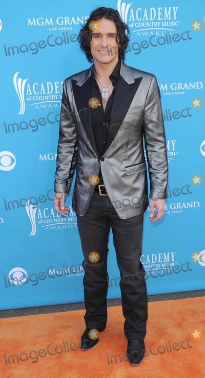 Joe Nichols Photo - Photo by Quasarstarmaxinccom201041810Joe Nichols at the 45th Annual Academy of Country Music Awards(Las Vegas Nevada)US syndication only