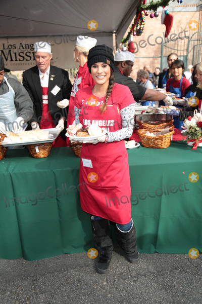 Bonnie-Jill Laflin Photo - Photo by GPROstarmaxinccomSTAR MAX2017ALL RIGHTS RESERVEDTelephoneFax (212) 995-1196122217Bonnie Jill Laflin at The Los Angeles Mission serves Christmas to the Homeless on Skid Row in Downtown LA