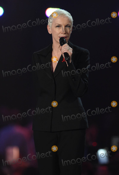 Anne Lennox Photo - Photo by KGC-03starmaxinccomSTAR MAX2016ALL RIGHTS RESERVEDTelephoneFax (212) 995-119622416Anne Lennox at the 2016 Brit Awards at the O2 Arena London England