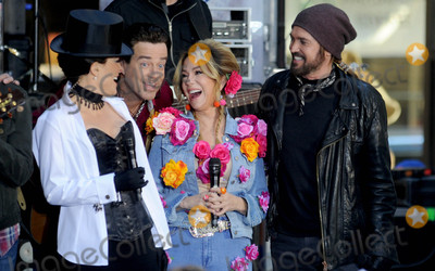 Billy Ray Cyrus Photo - Photo by Dennis Van TinestarmaxinccomSTAR MAX2017ALL RIGHTS RESERVEDTelephoneFax (212) 995-1196103117Megyn Kelly Carson Daly Kathie Lee Gifford and Billy Ray Cyrus at Todays Halloween Extravaganza 2017 in New York City