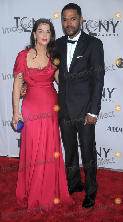 Annabella Sciorra Photo - Photo by Dennis Van Tinestarmaxinccom201161211Annabella Sciorra and date at the 65th Annual Tony Awards(NYC)
