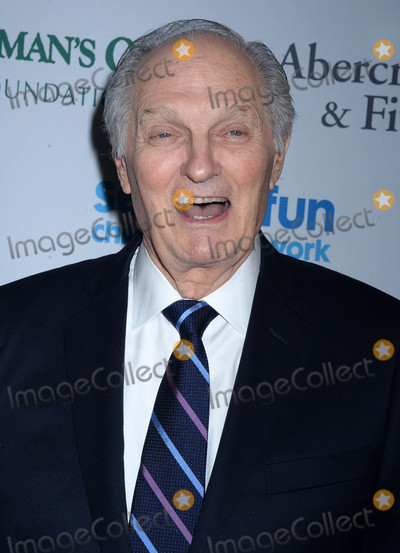 Alan Alda Photo - Photo by Dennis Van TinestarmaxinccomSTAR MAX2017ALL RIGHTS RESERVEDTelephoneFax (212) 995-119652317Alan Alda at The 2017 SeriousFun Childrens Netword Gala in New York City