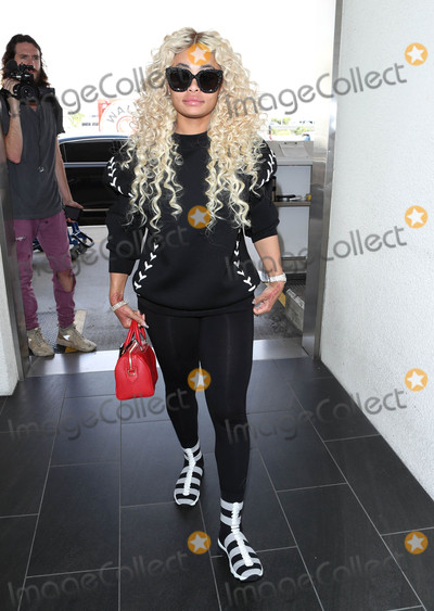 Blac Chyna Photo - Photo by SMXRFstarmaxinccomSTAR MAX2017ALL RIGHTS RESERVEDTelephoneFax (212) 995-119692017Blac Chyna is seen at LAX Airport in Los Angeles CA