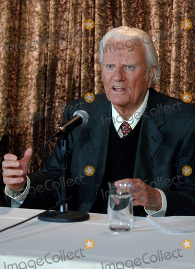 Billy Graham Photo - Photo by Dennis Van TinestarmaxinccomSTAR MAX2018ALL RIGHTS RESERVEDTelephoneFax (212) 995-119662405The Reverend Billy Graham speaks at Flushing Meadows Auditorium in Queens New York