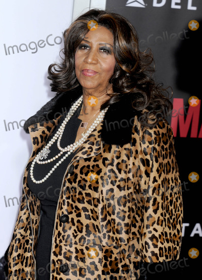 Aretha Franklin Photo - Photo by Dennis Van TinestarmaxinccomSTAR MAX2014ALL RIGHTS RESERVEDTelephoneFax (212) 995-1196121414Aretha Franklin at the premiere of Selma(NYC)