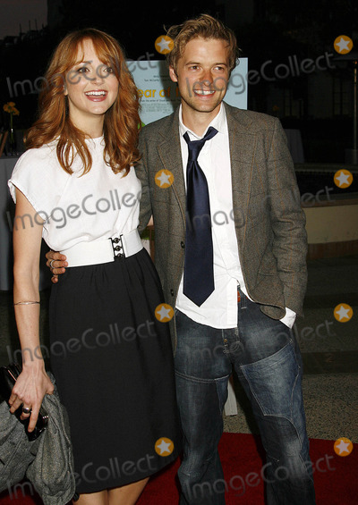 Adam Campbell Photo - Photo by NPXstarmaxinccom20074507Adam Campbell and Jayma Mays at the premiere of The Year of the Dog(Los Angeles CA)Not for syndication in France