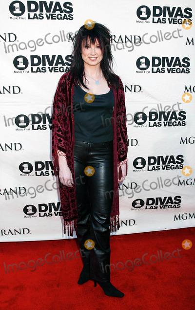 Meredith Brooks Photo - Photo by Russ EinhornSTAR MAX Inc - copyright 200252302Meredith Brooks at VH1 Divas Las Vegas(The MGM Grand Hotel Las Vegas Nevada)