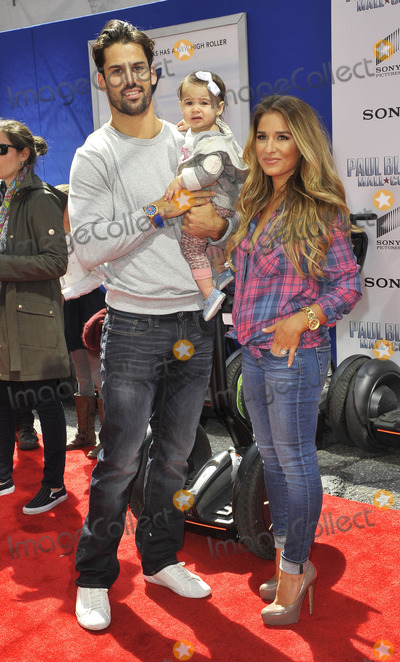 Eric Decker Photo - Photo by Patricia SchleinstarmaxinccomSTAR MAX2015ALL RIGHTS RESERVEDTelephoneFax (212) 995-119641115Eric Decker and Jessie James and daughter at the premiere of Paul Blart Mall Cop 2(NYC)