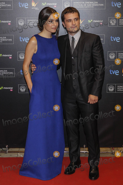 Claudia Traisac Photo - Photo by Walter KovacsstarmaxinccomSTAR MAX2014ALL RIGHTS RESERVEDTelephoneFax (212) 995-119692614Claudia Traisac and Josh Hutcherson at The Premiere of Escobar at The 62nd Sebastian Film Festival(Spain)