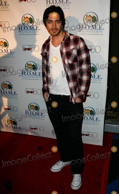 Josh Keaton Photo - Josh Keaton arrives at HOME Foundations STIKS Celebrity Video Game Challenge held at Spot 5750 Los Angeles CA 011111