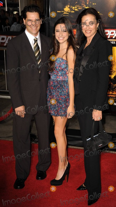 Chris Ciaffa Photo - Mimi Rogers (R) with her husband Chris Ciaffa and daughter Lucy attending the world premiere of Tony Scotts action-thriller Unstoppable at the Regency Village Theater in Westwood CA 102610